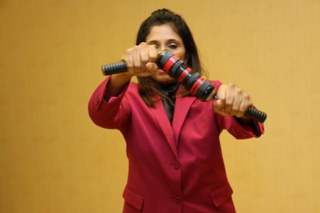 Спортивный координатор Celine M.Mazhar стойко перенесла все нагрузки и отпахала наравне с мужчинами!